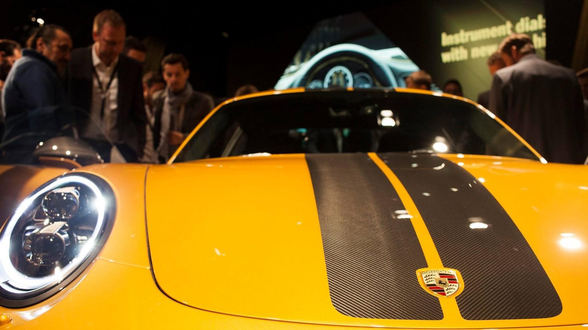 Porsche_911_Turbo_S_Exclusive_Series_12
