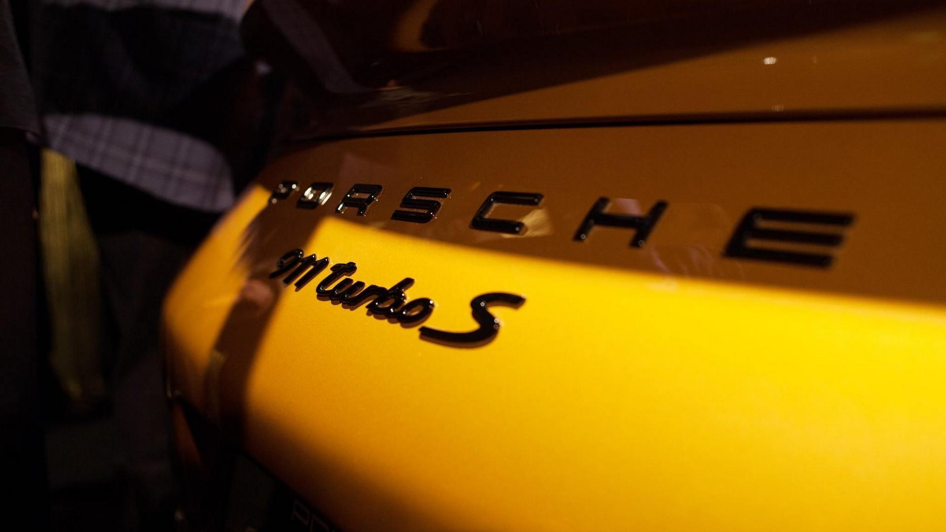 Porsche_911_Turbo_S_Exclusive_Series_19