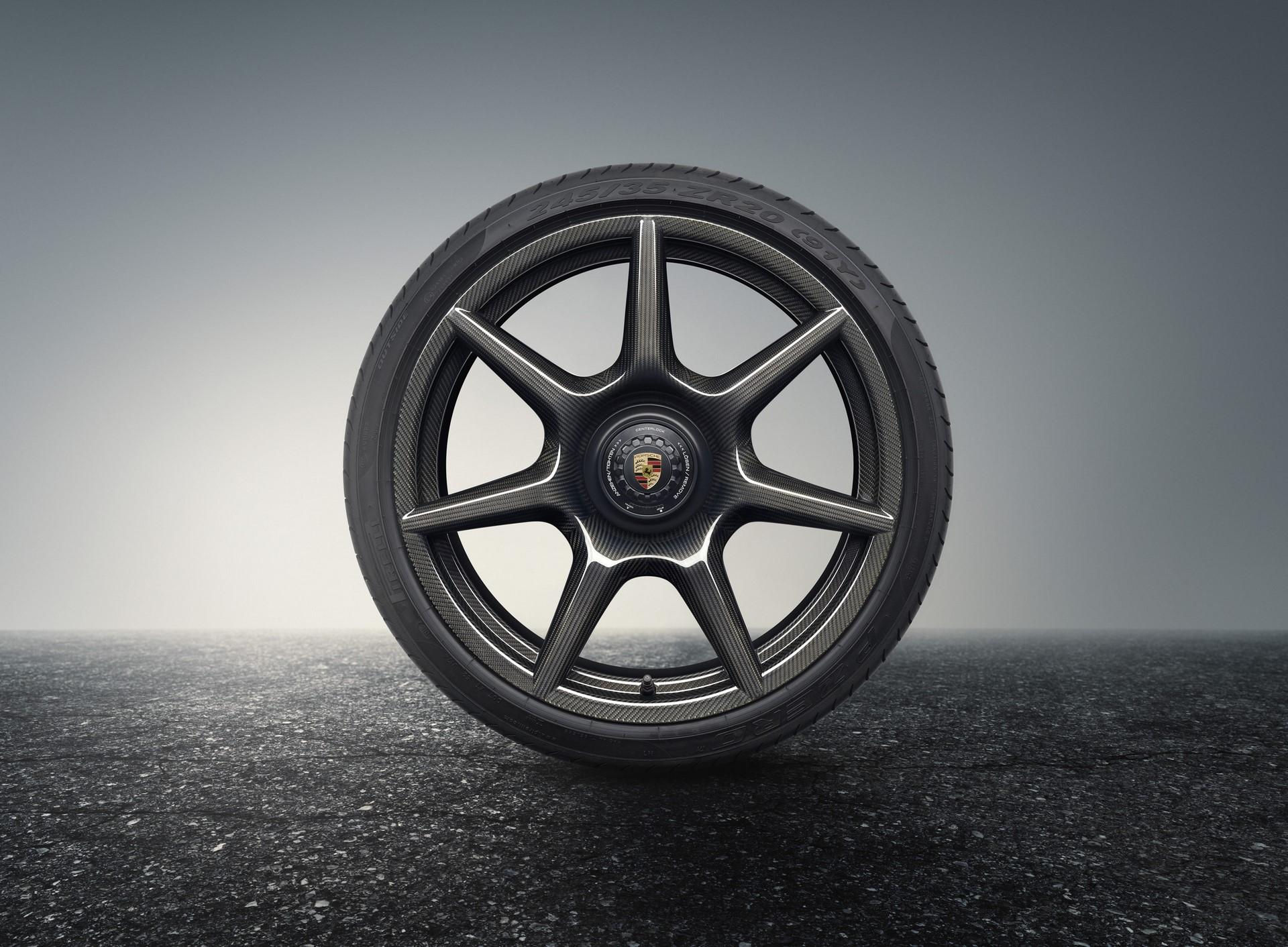 Porsche 911 Turbo S Exclusive Series carbon wheels (2)