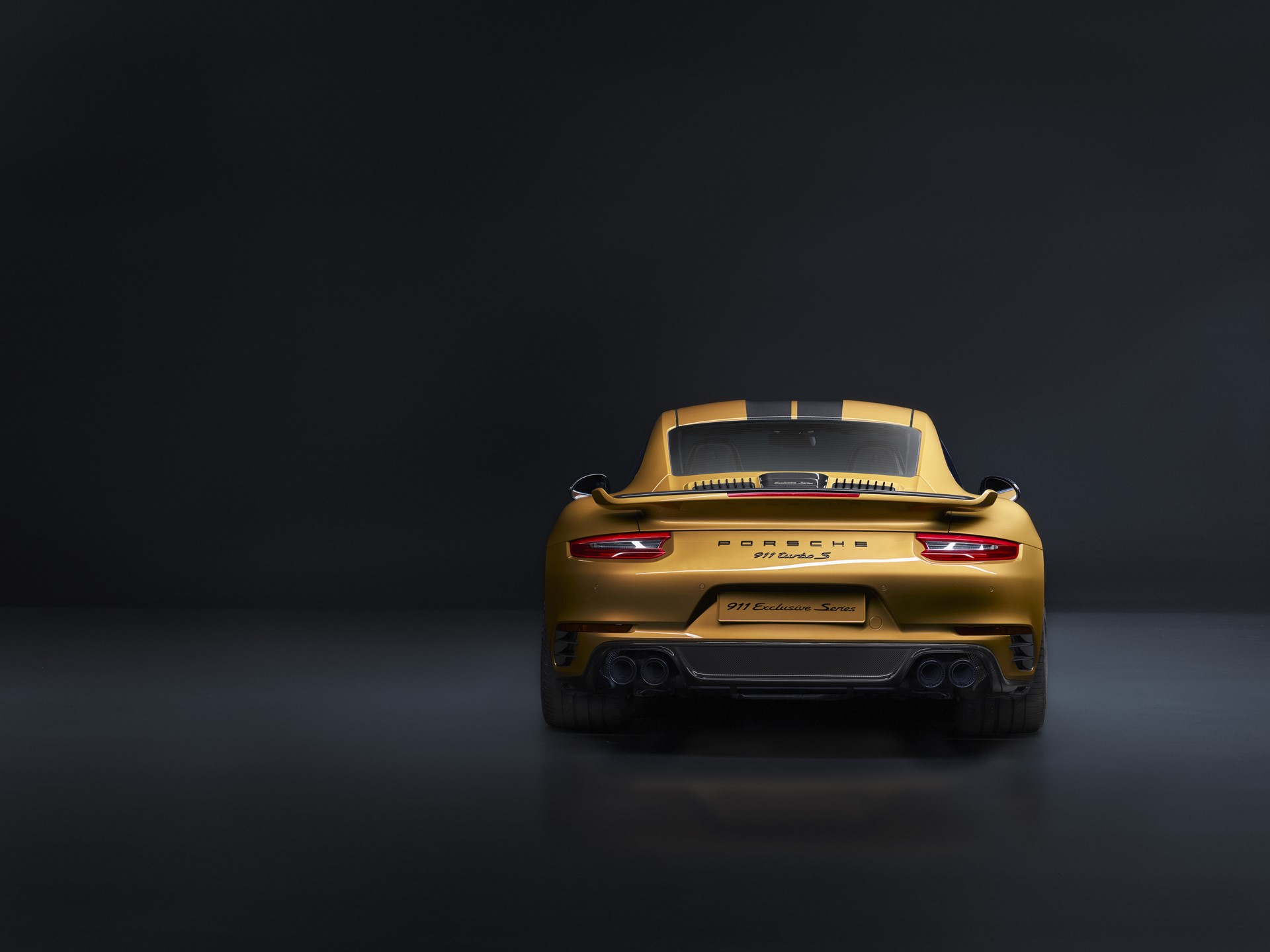 Porsche 911 Turbo S Exclusive Series (2)