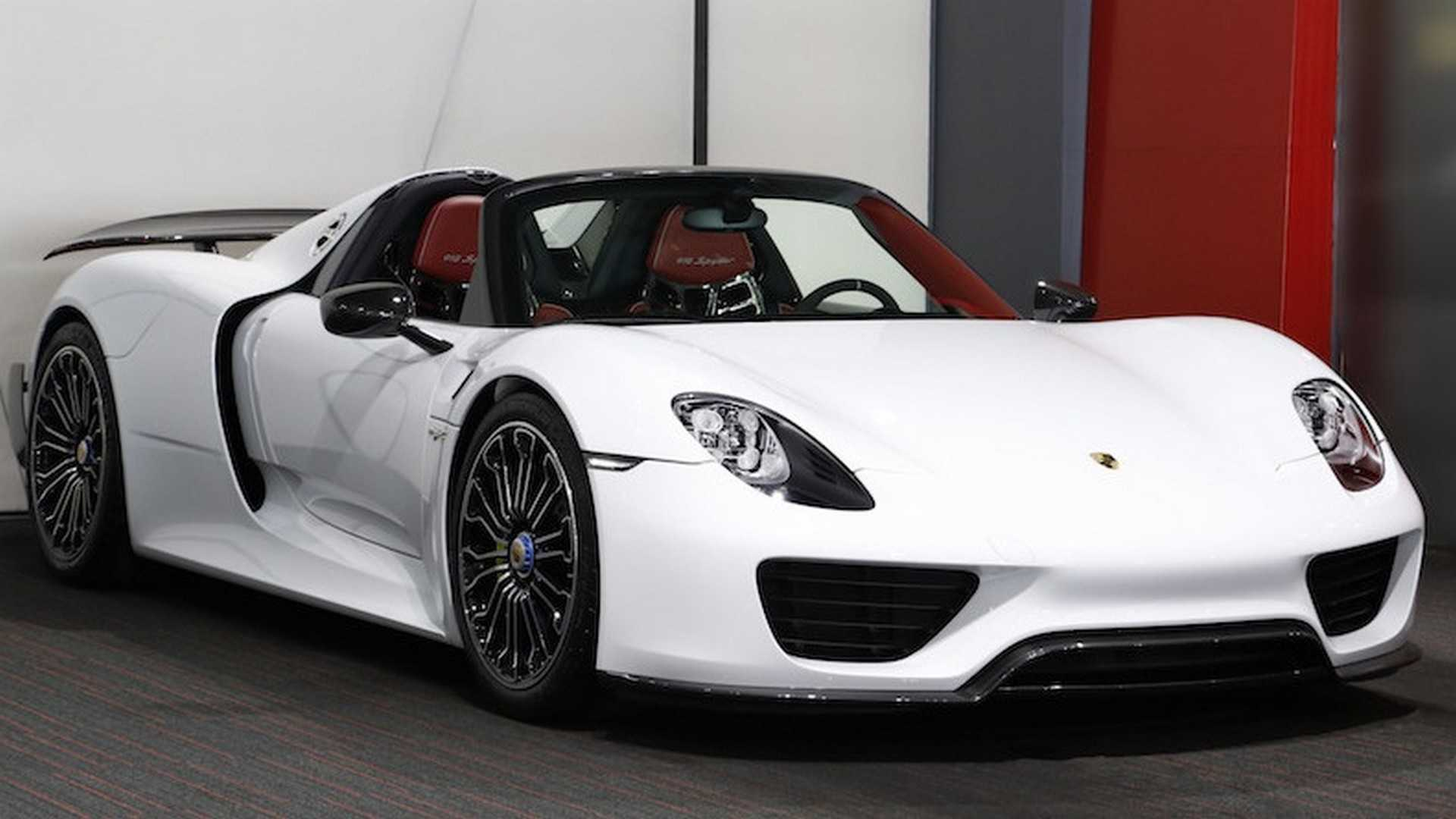 Porsche_918_Spyder_with_Weissach_Package_03