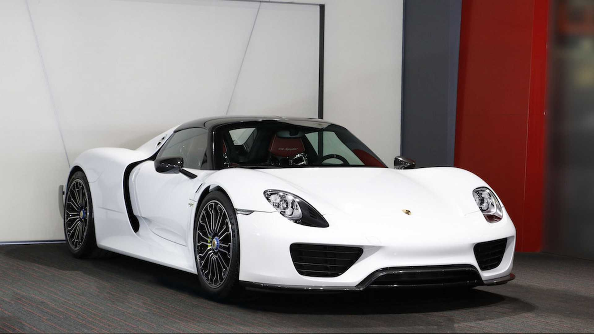 Porsche_918_Spyder_with_Weissach_Package_04