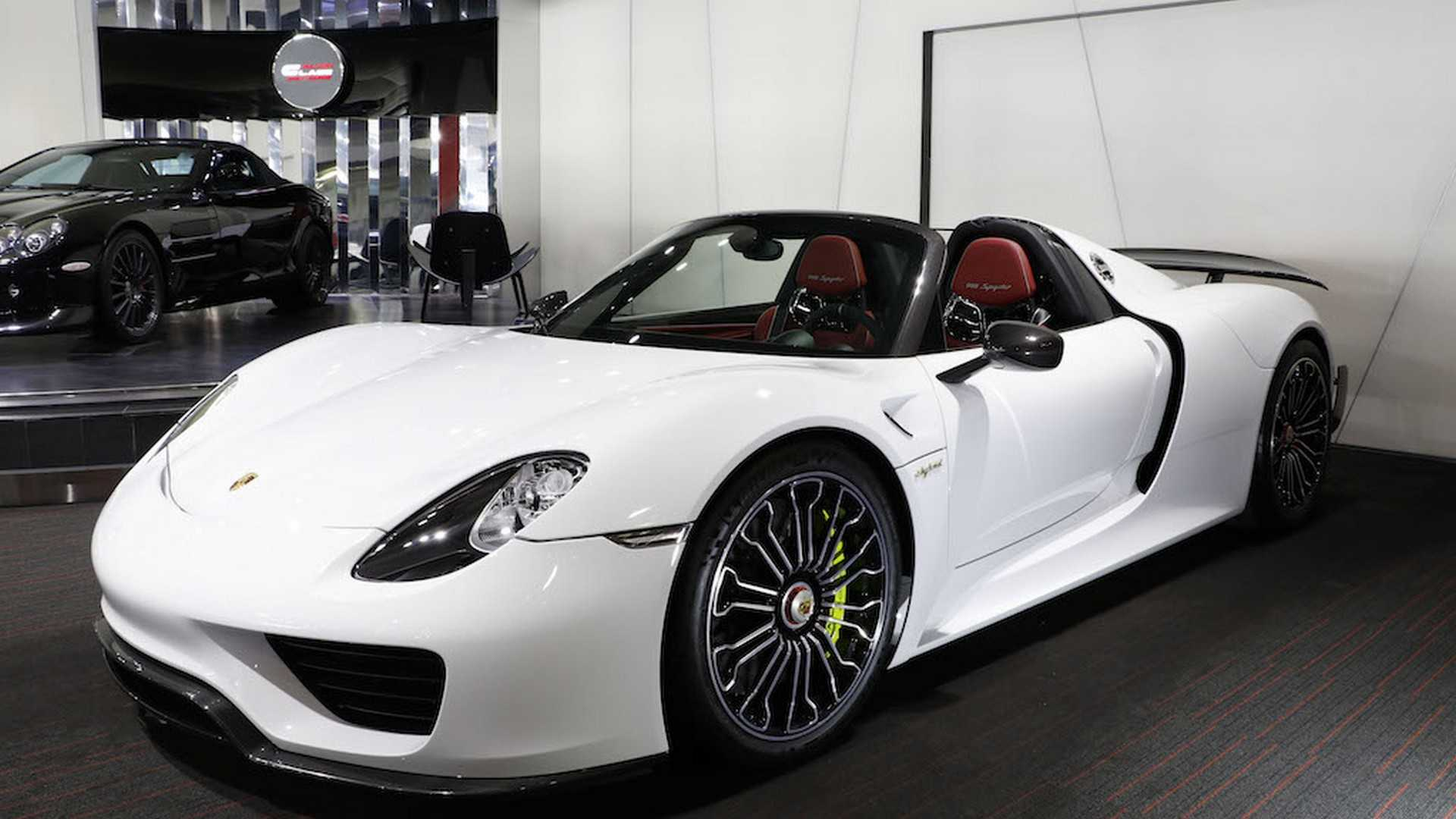 Porsche_918_Spyder_with_Weissach_Package_05
