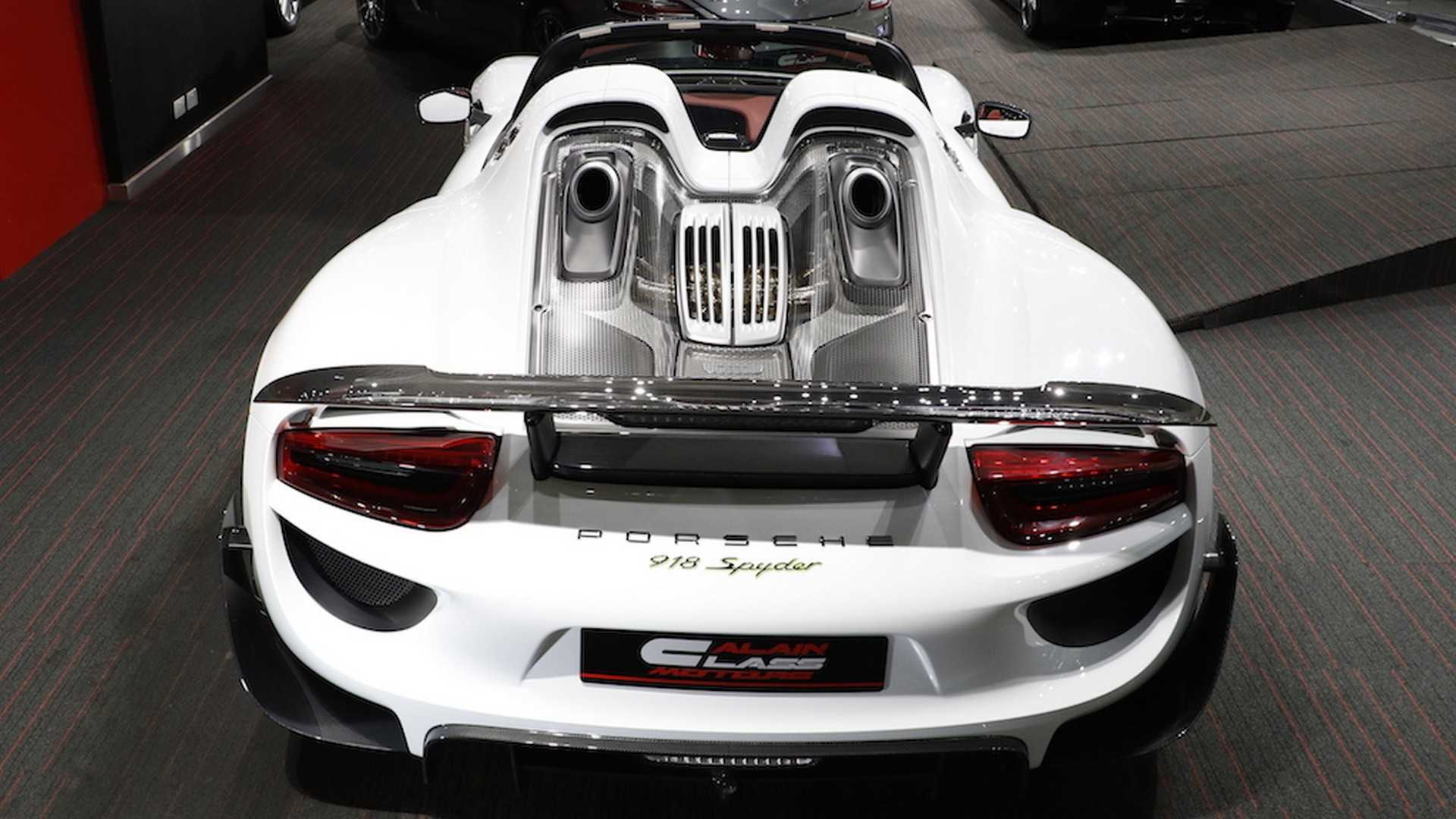 Porsche_918_Spyder_with_Weissach_Package_13