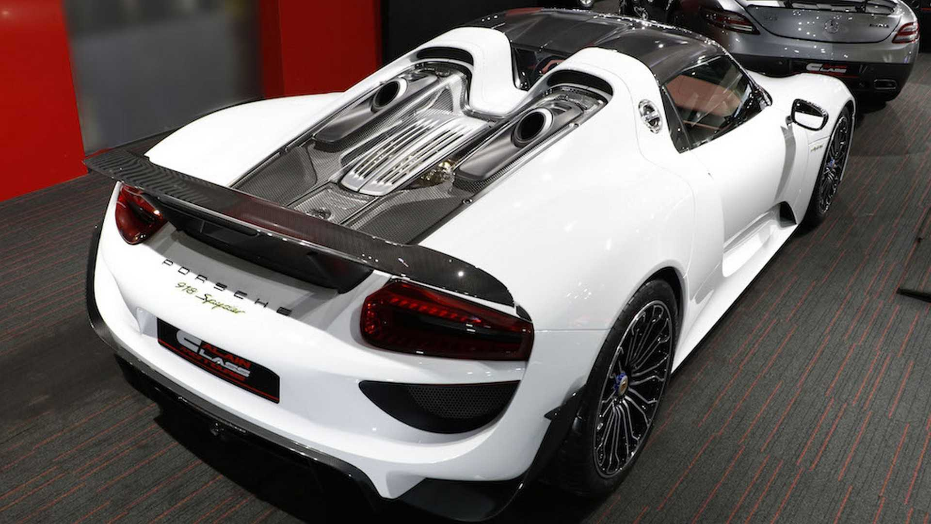 Porsche_918_Spyder_with_Weissach_Package_14