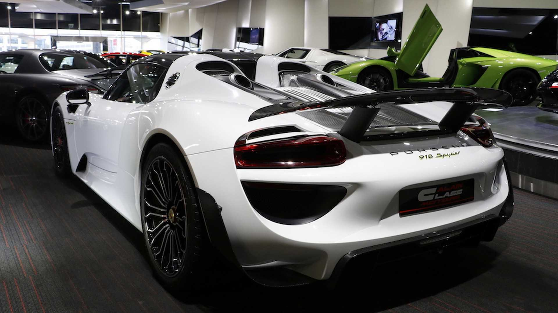 Porsche_918_Spyder_with_Weissach_Package_16