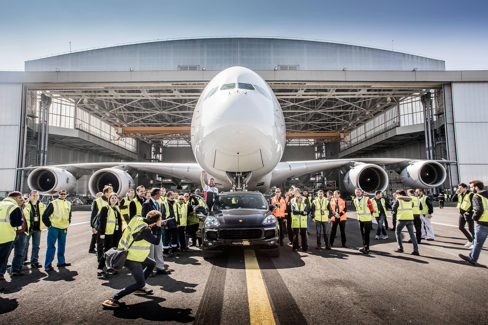 Porsche Cayenne Airbus A380 (1)