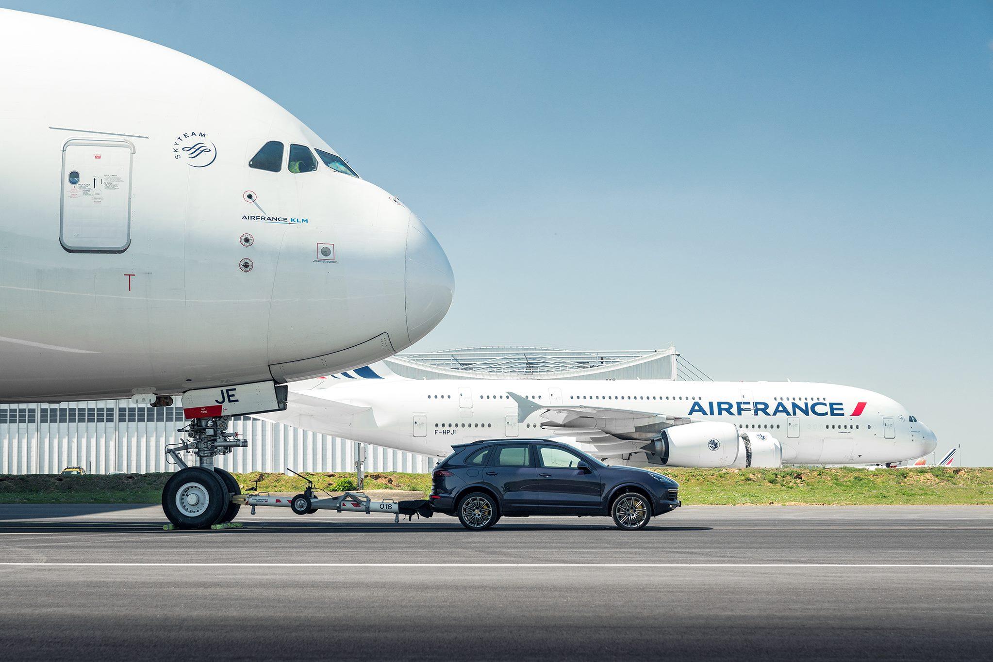 Porsche Cayenne Airbus A380 (4)