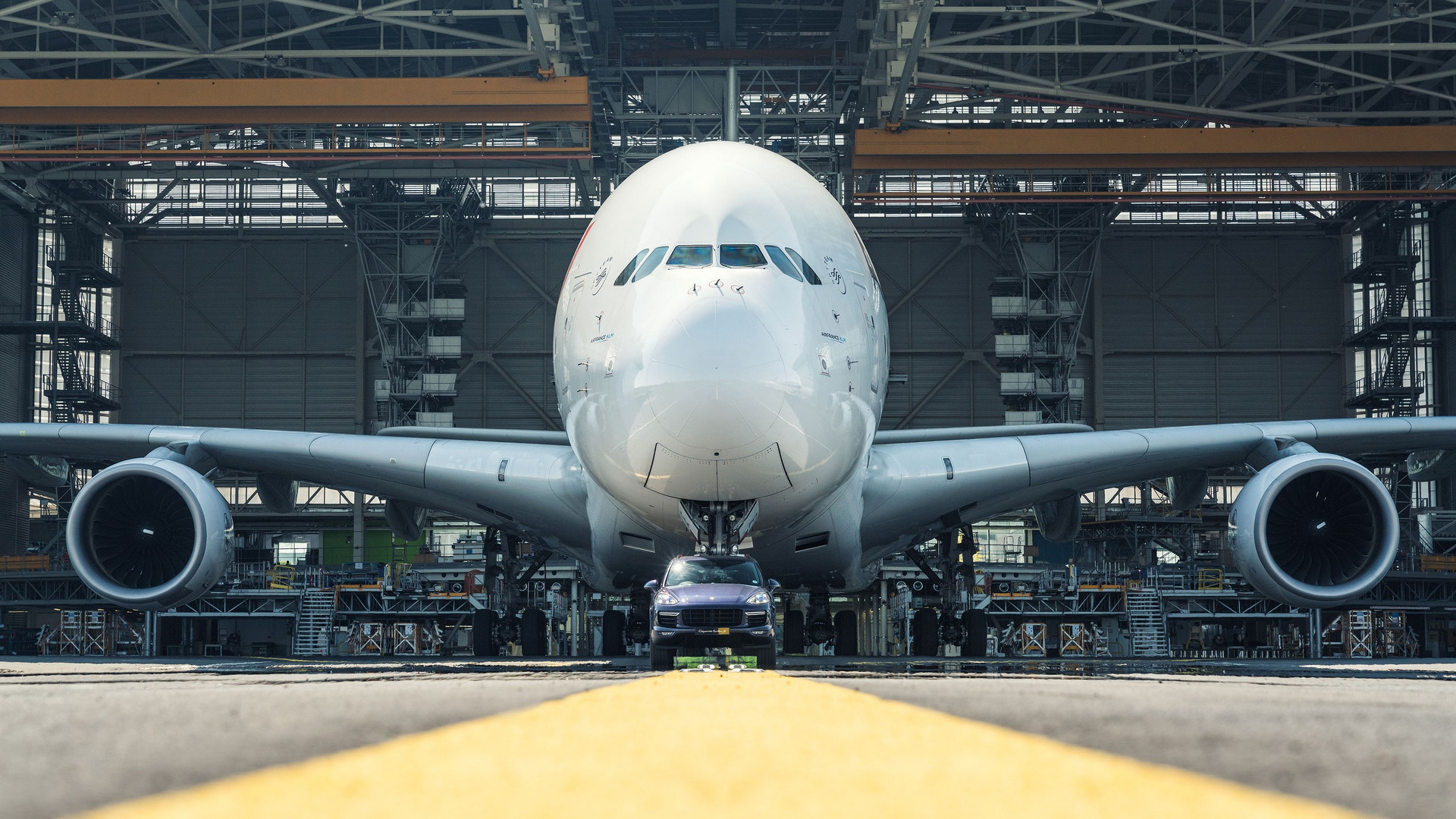 Porsche Cayenne Airbus A380 (7)