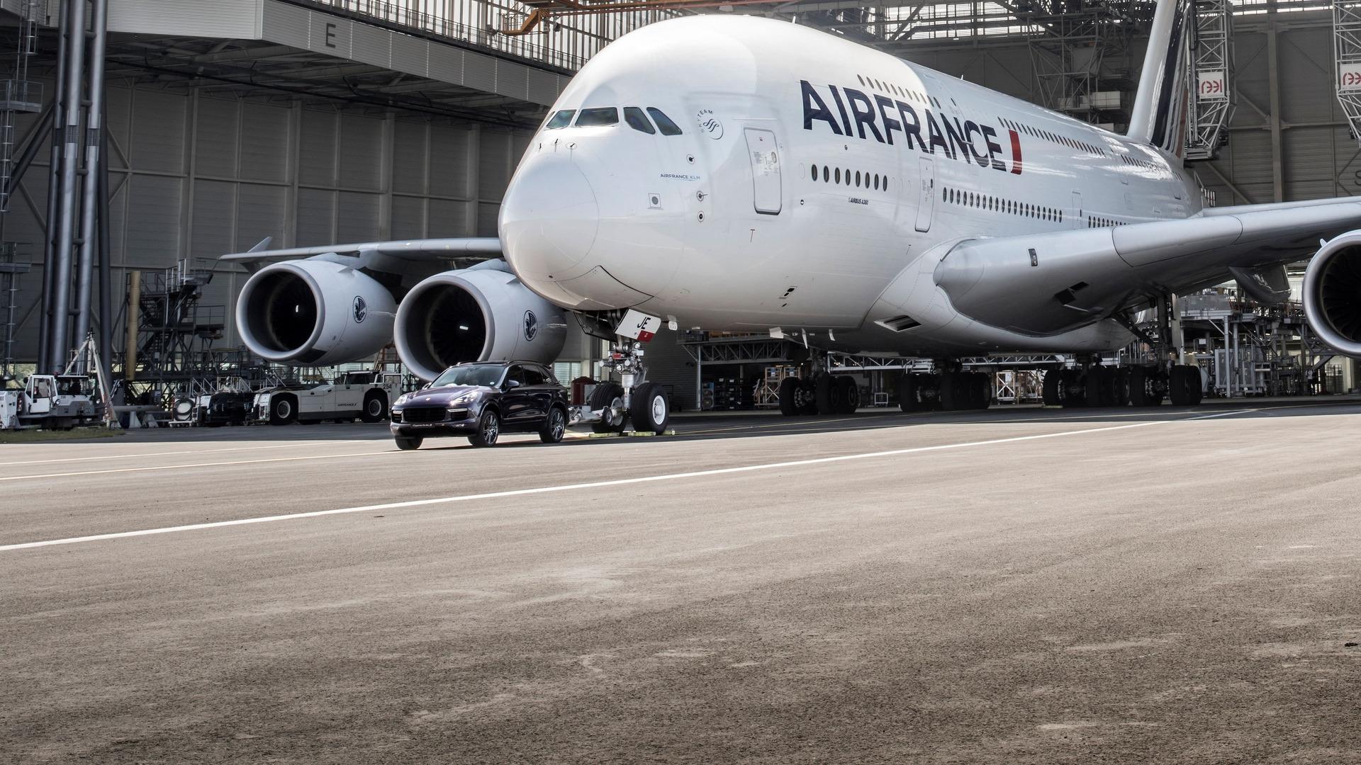 Porsche Cayenne Airbus A380 (8)