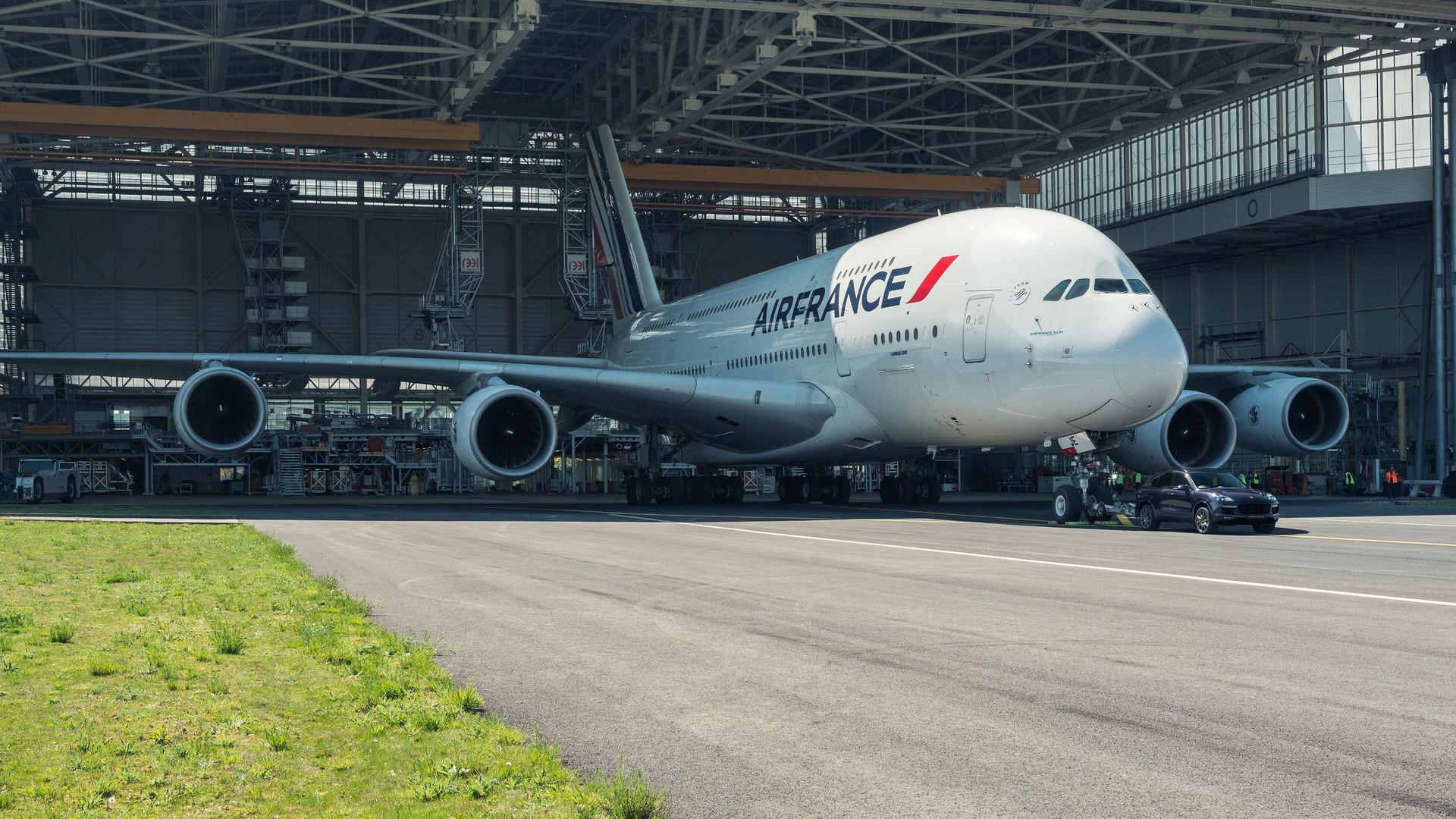 Porsche Cayenne Airbus A380 (9)