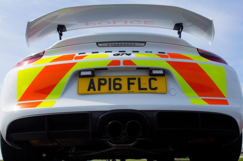 Porsche Cayman GT4 police car (9)