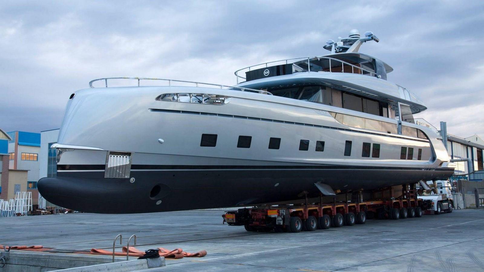 porsche-design-dynamiq-gtt-115-hybrid-superyacht (1)