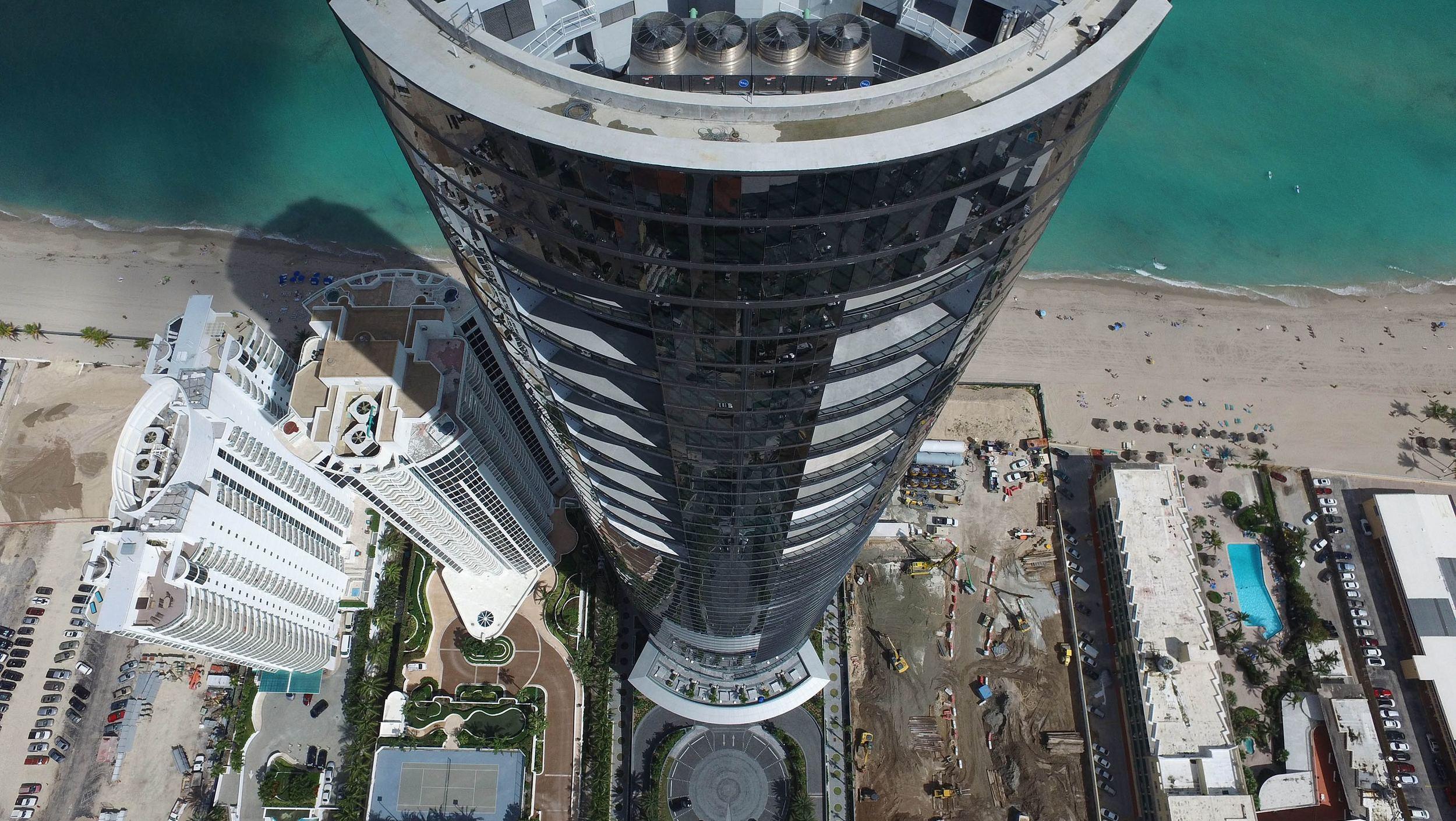 Porsche Design Tower (15)