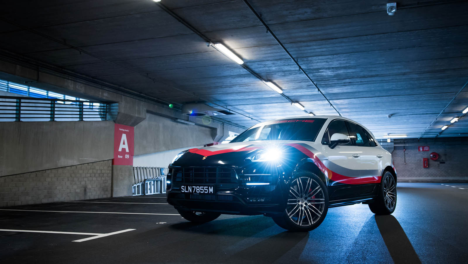 Porsche_Macan_Special_livery_15