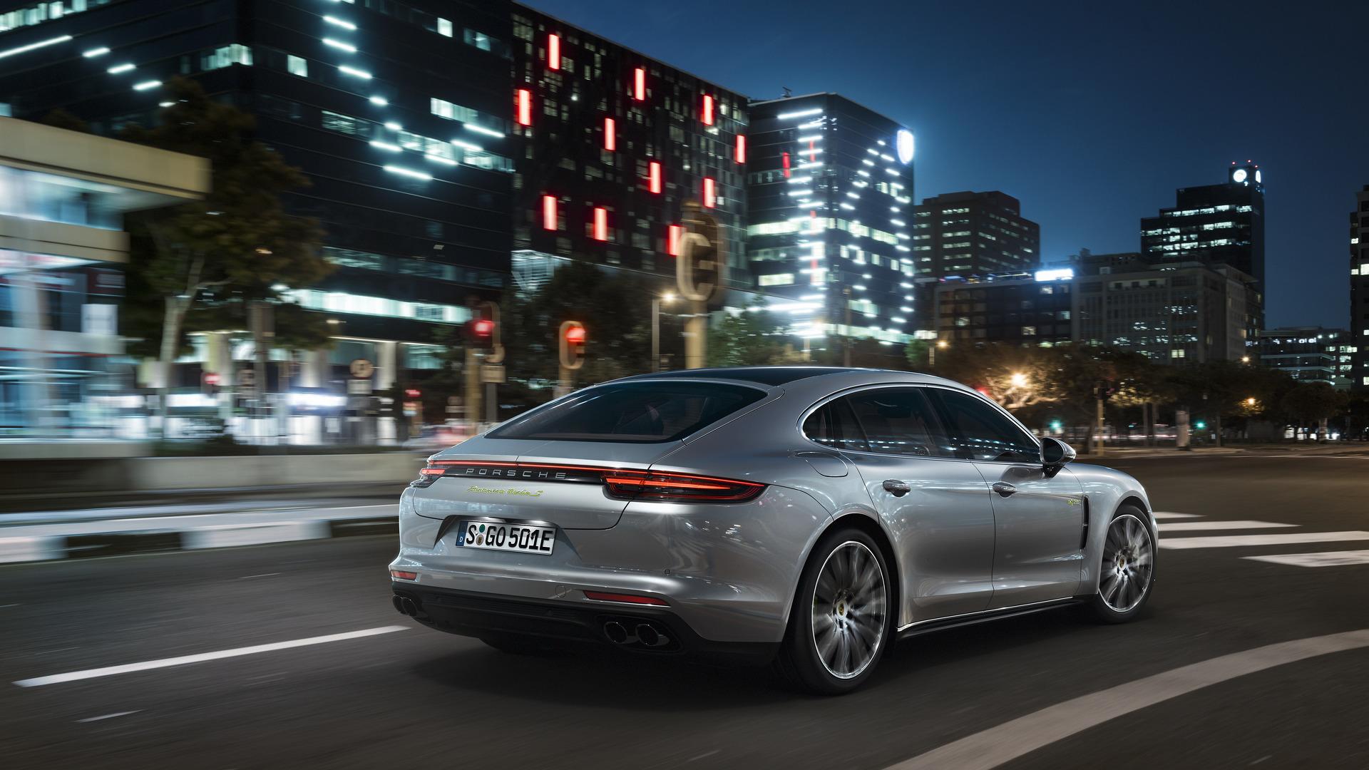 Porsche Panamera Executive (4)
