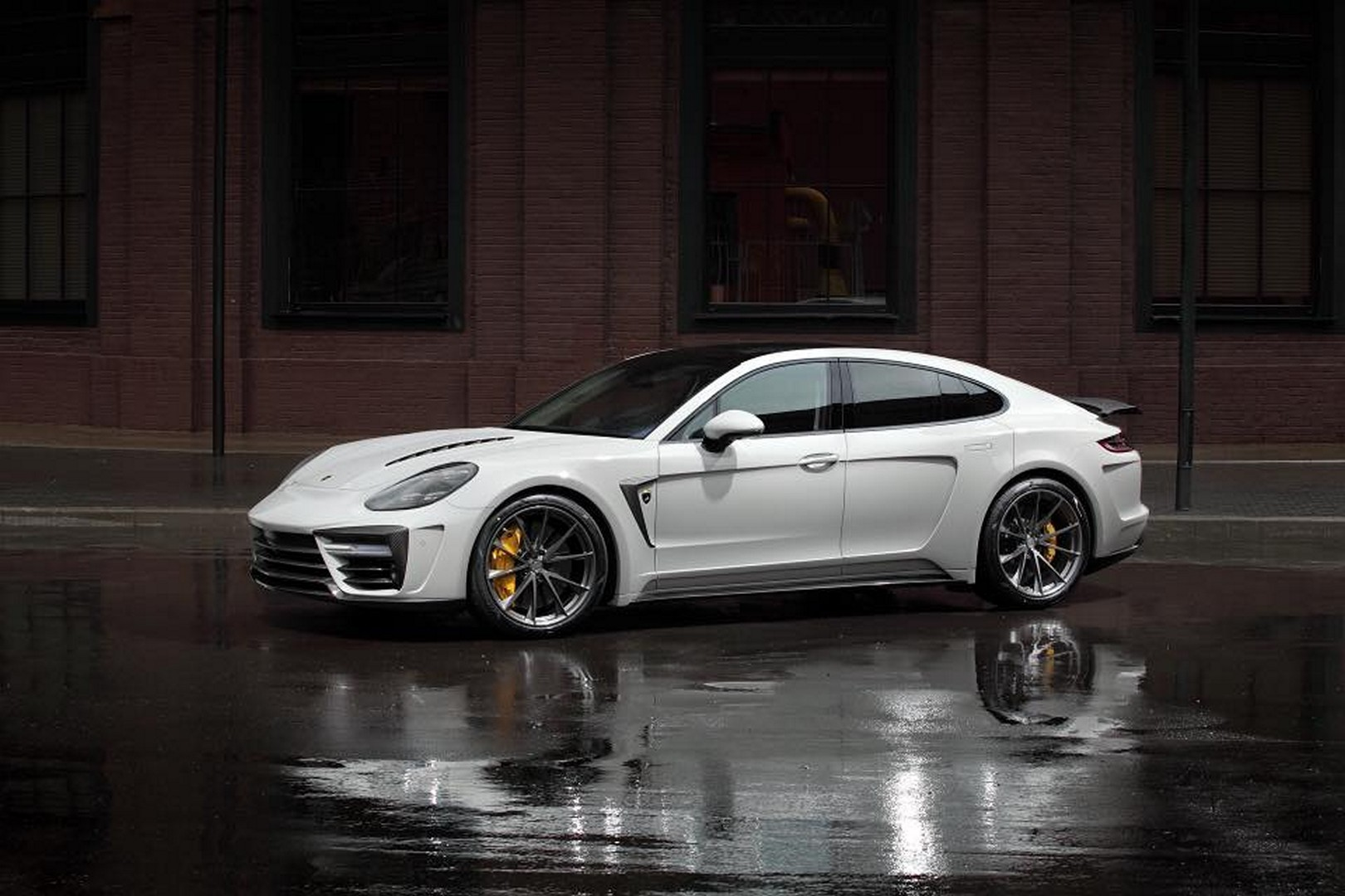 Porsche_Panamera_Stingray_GTR_by_Topcar_11