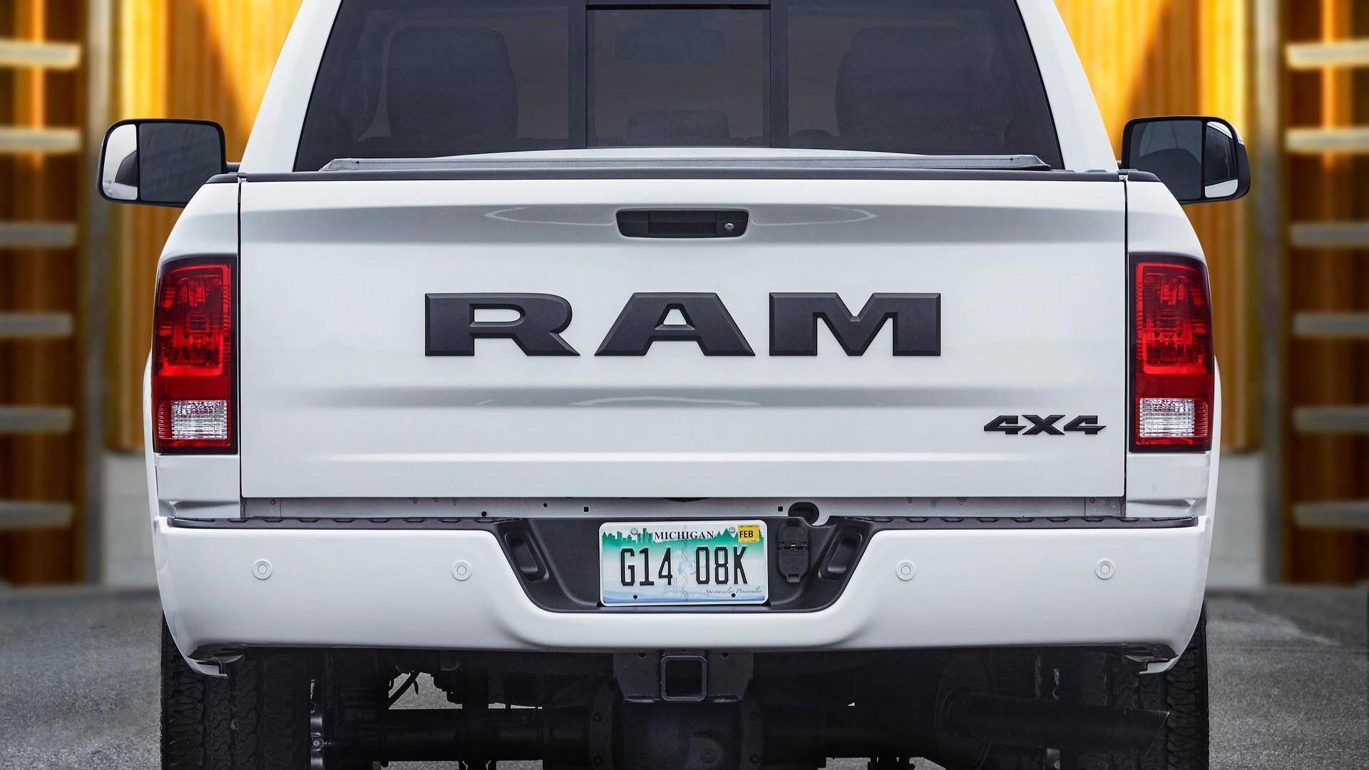2017 Ram 2500/3500 Heavy Duty Night