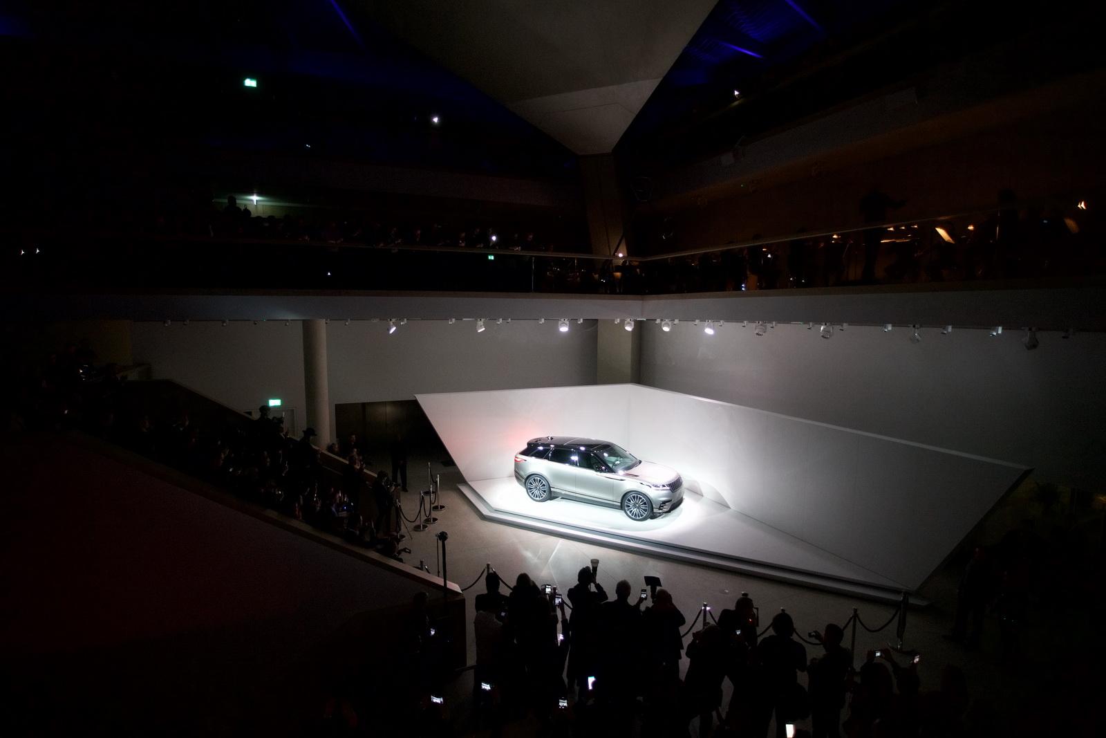Range Rover Velar in Geneva 2017 (1)