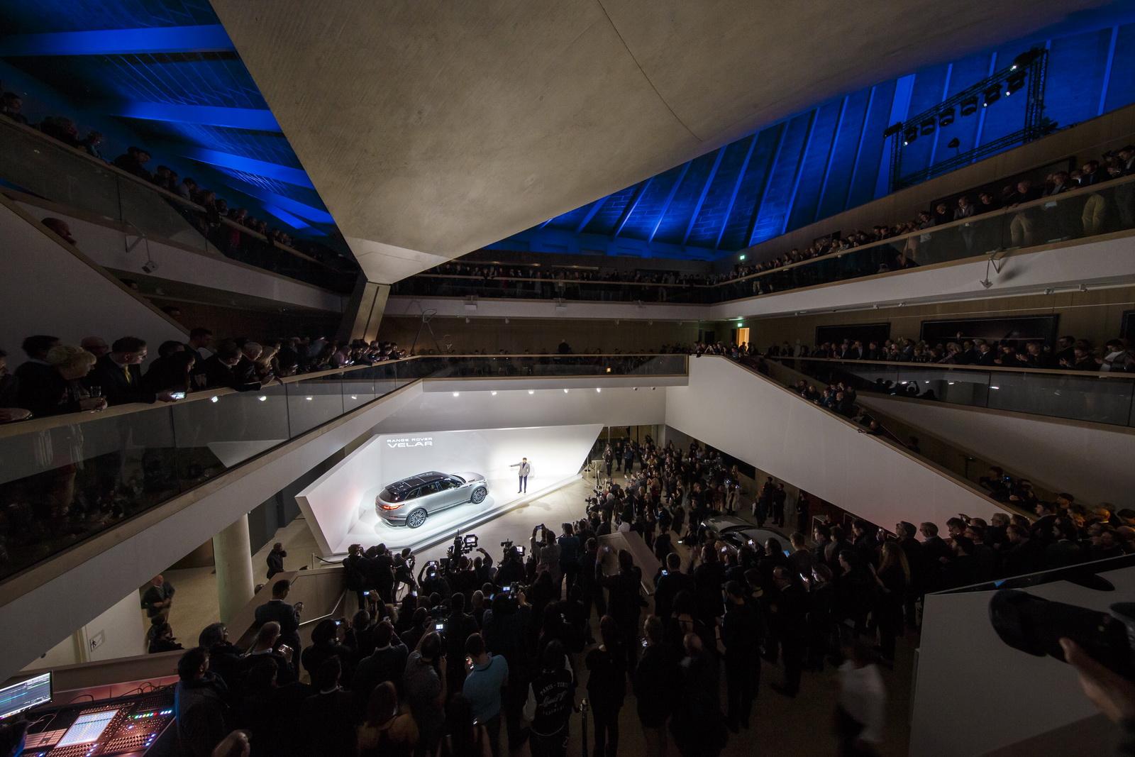 Range Rover Velar in Geneva 2017 (43)