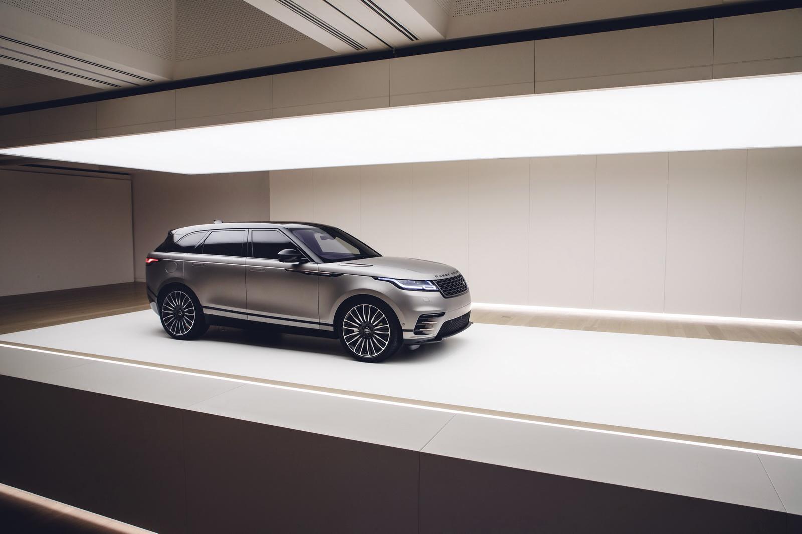 Range Rover Velar in Geneva 2017 (45)