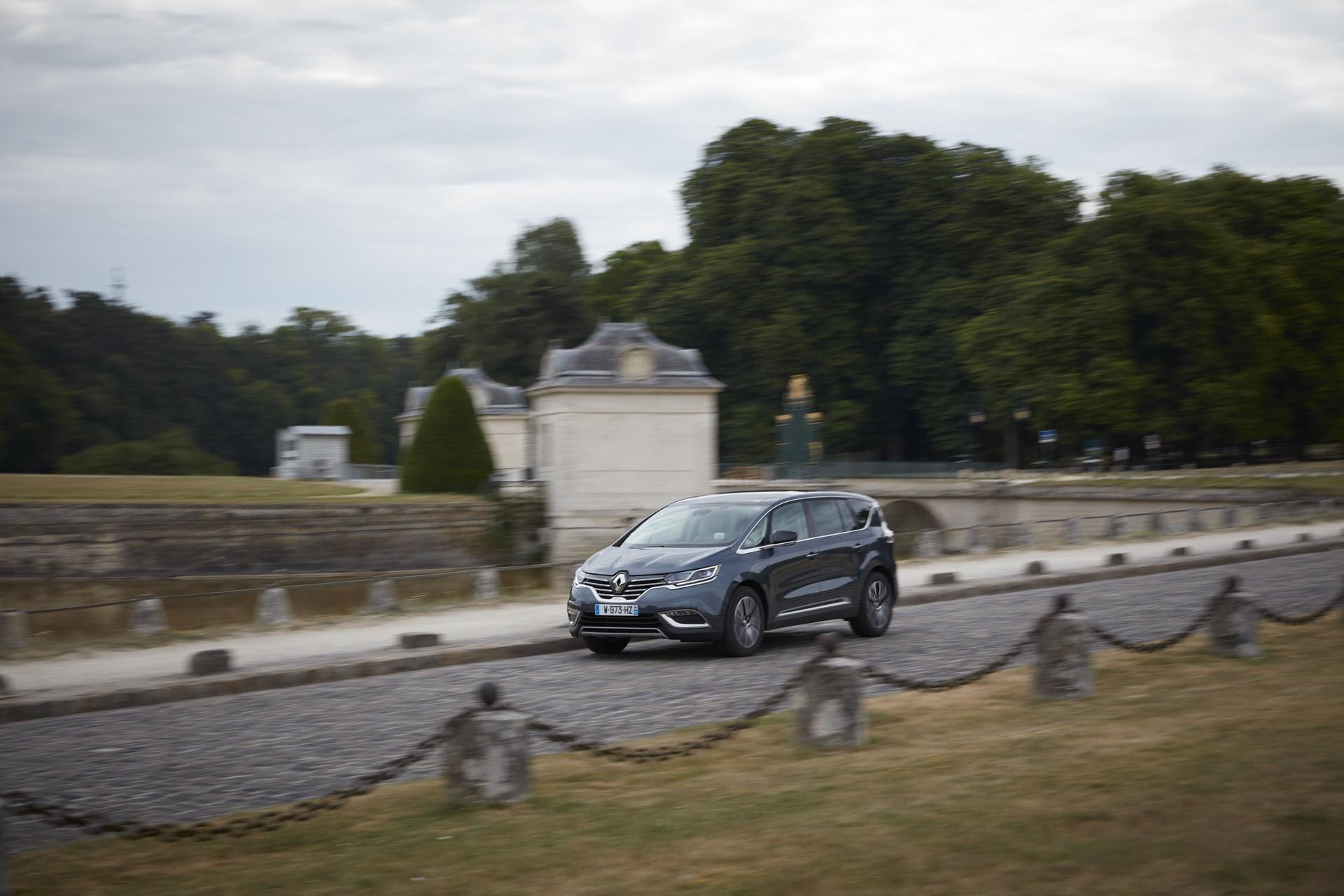 Renault_93225_global_en