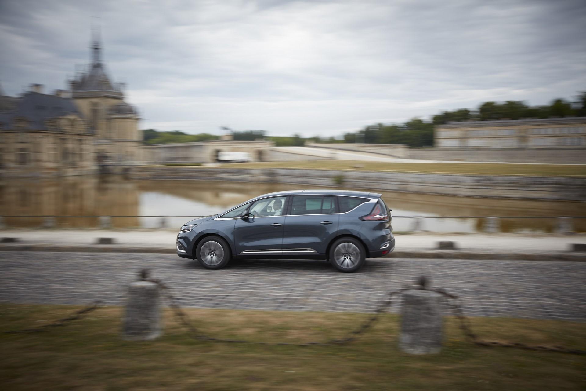 Renault_93227_global_en