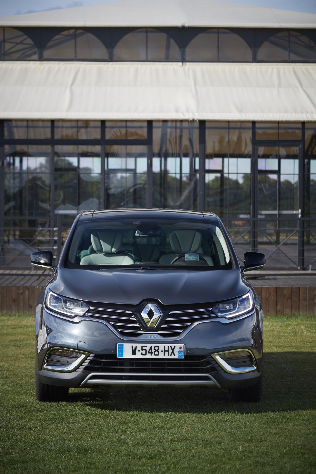 Renault_93267_global_en