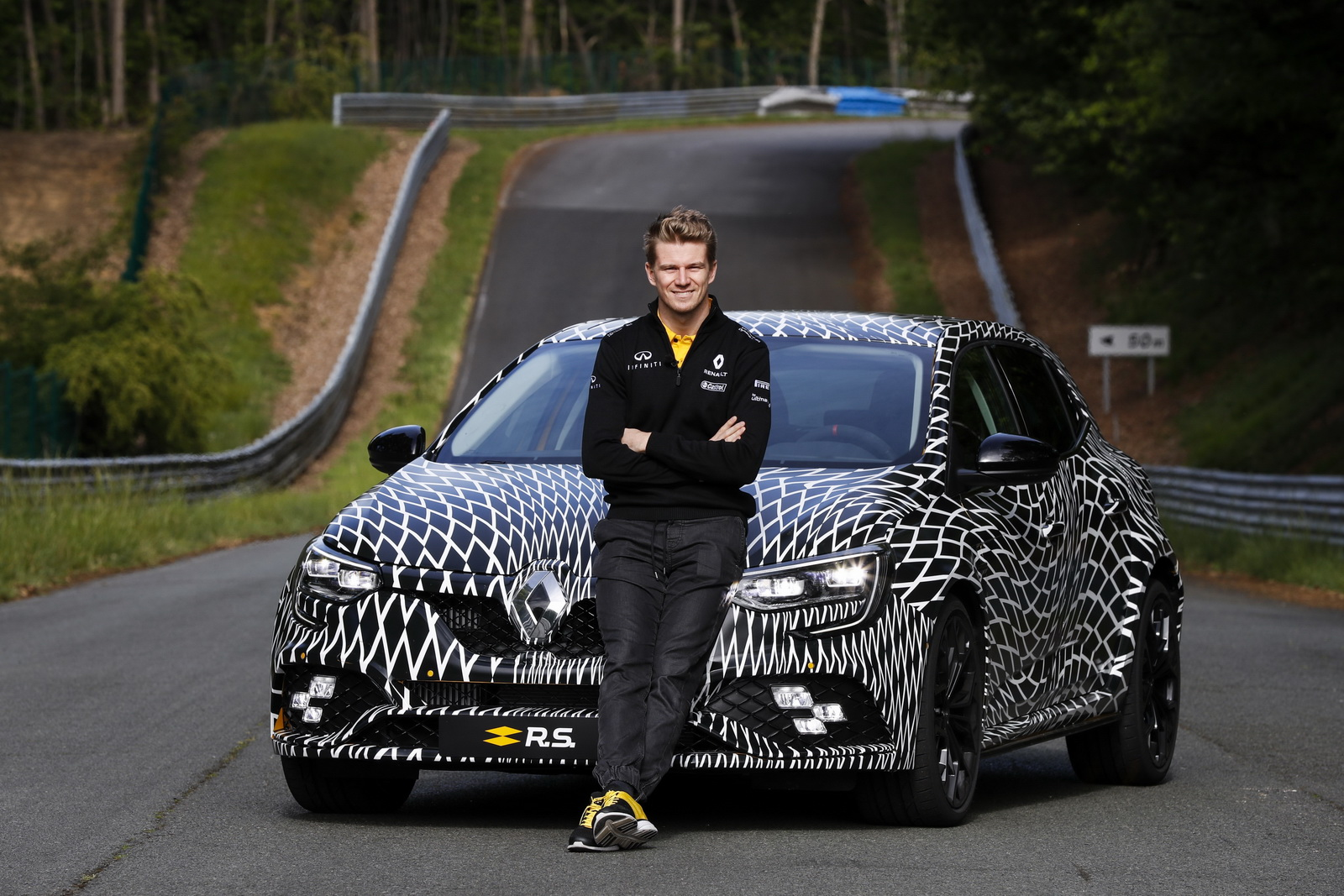 Renault_Megane_RS_01