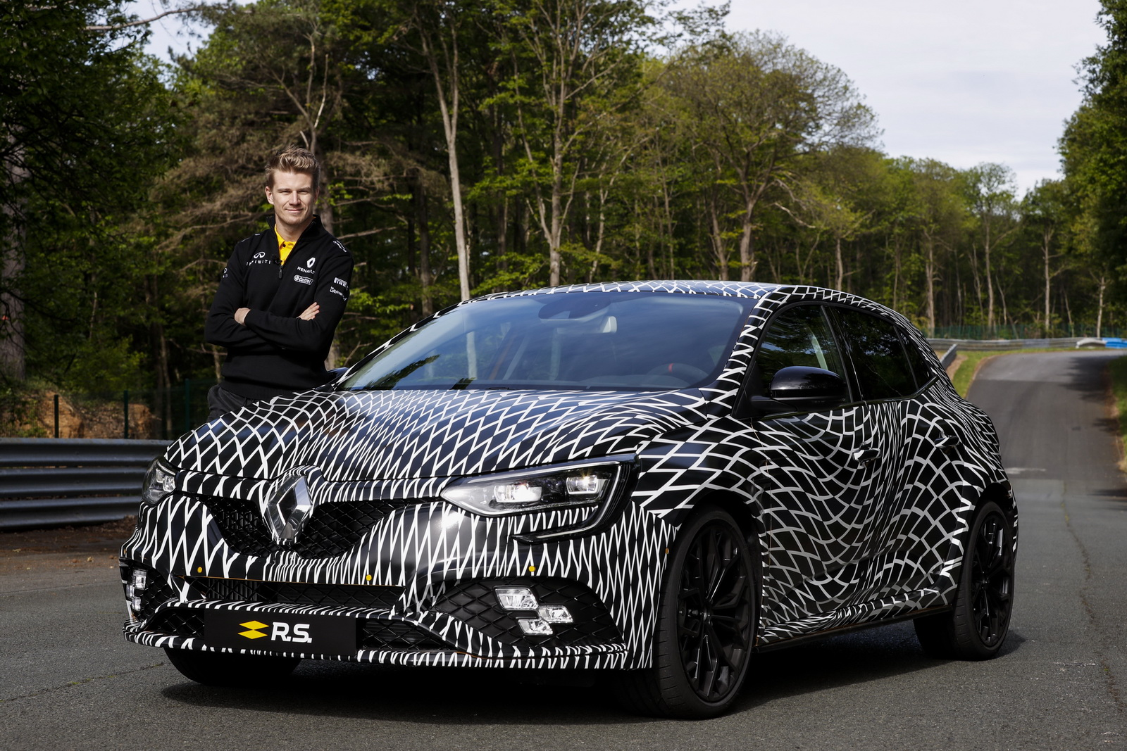 Renault_Megane_RS_02