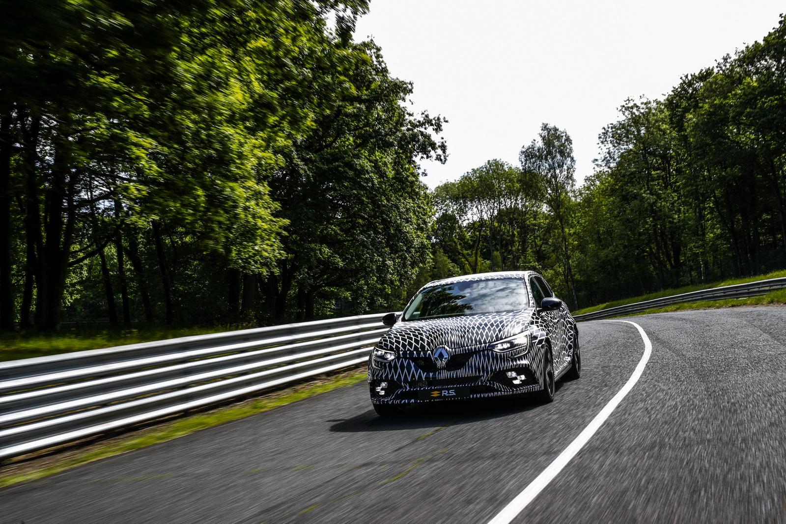 Renault_Megane_RS_11