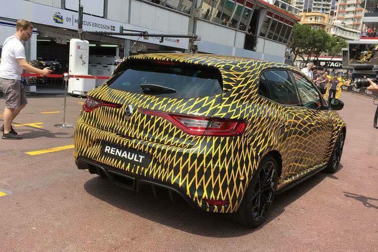 2018_Renault_Megane_RS_01