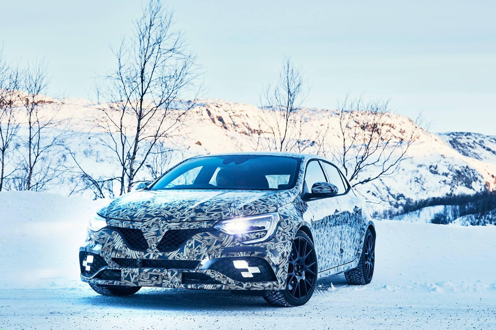 Renault Megane RS teasers snow (2)