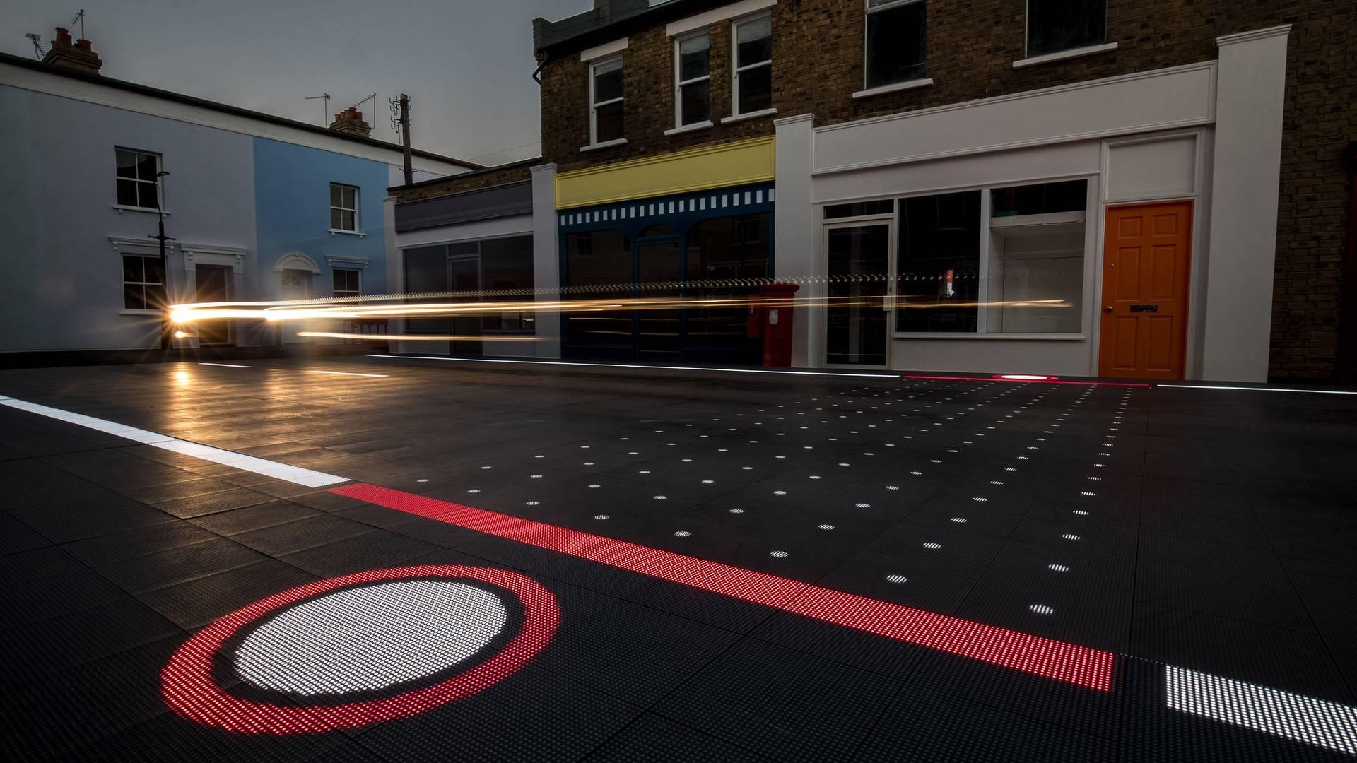 starling-crossing-responsive-road1