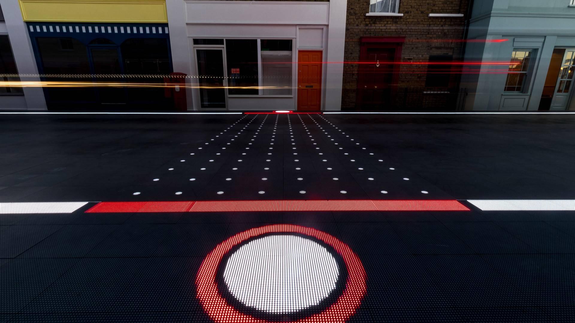 starling-crossing-responsive-road2