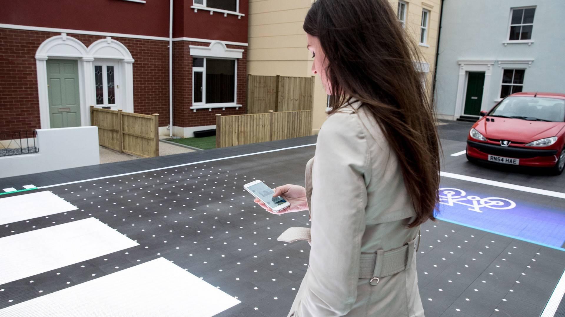 starling-crossing-responsive-road8