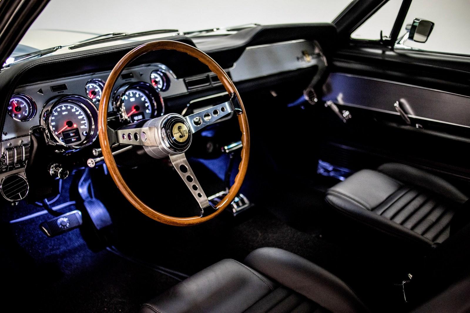 Revology Shelby GT500 (10)