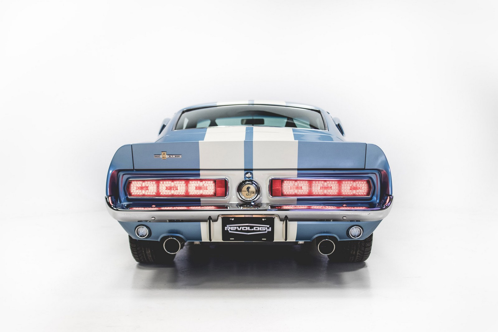 Revology Shelby GT500 (4)