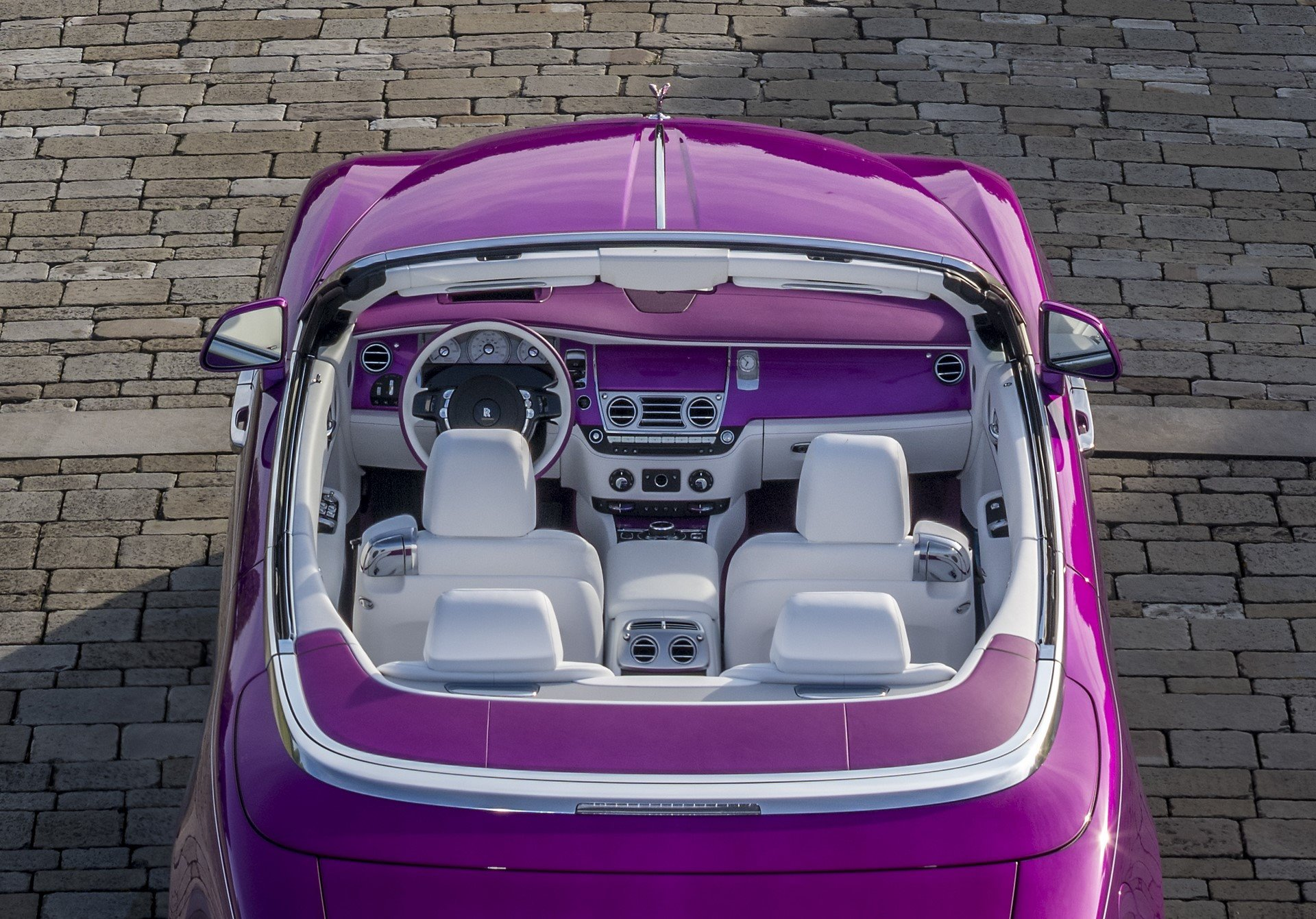 Rolls Royce Dawn in Fuxia (10)