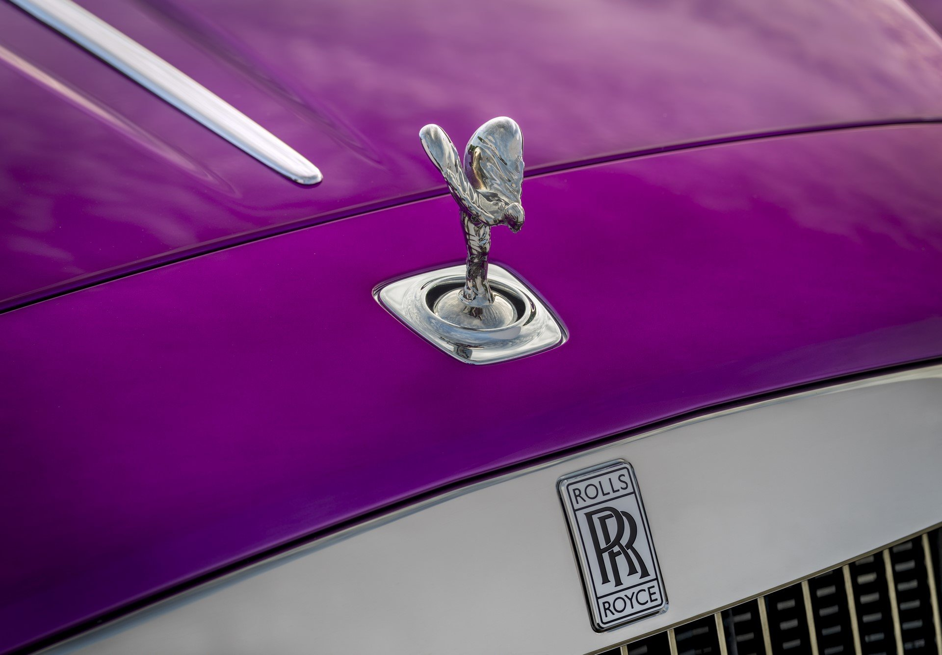Rolls Royce Dawn in Fuxia (6)