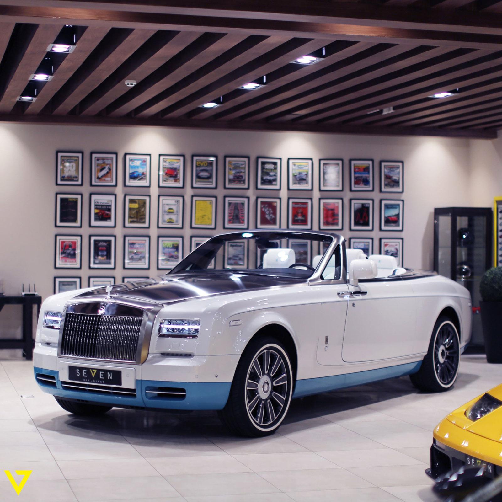 Rolls-Royce_Phantom_Drophead_Coupe_Last-of-Last_edition_01