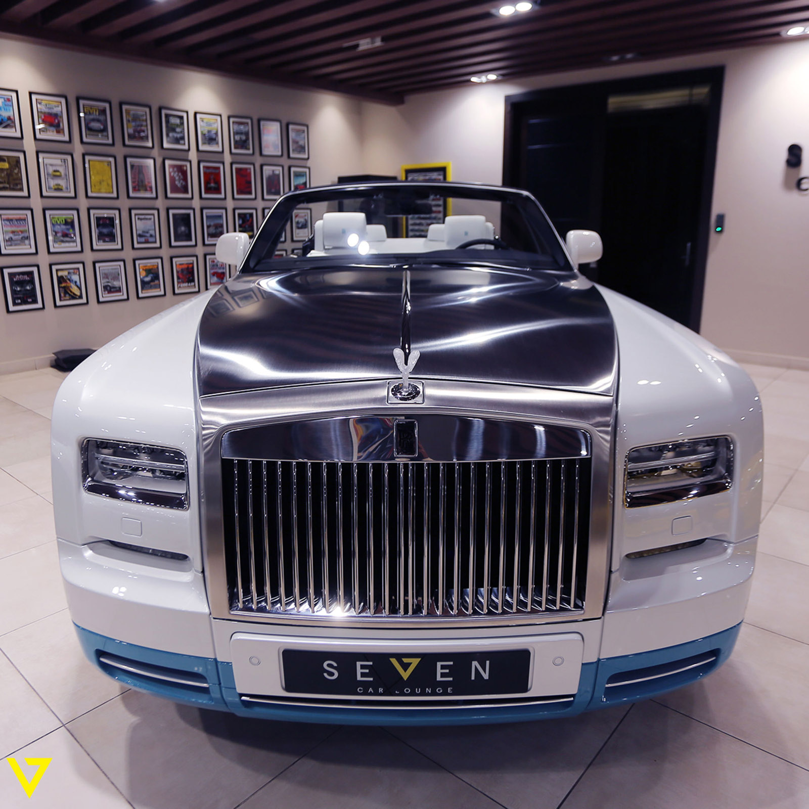 Rolls-Royce_Phantom_Drophead_Coupe_Last-of-Last_edition_04