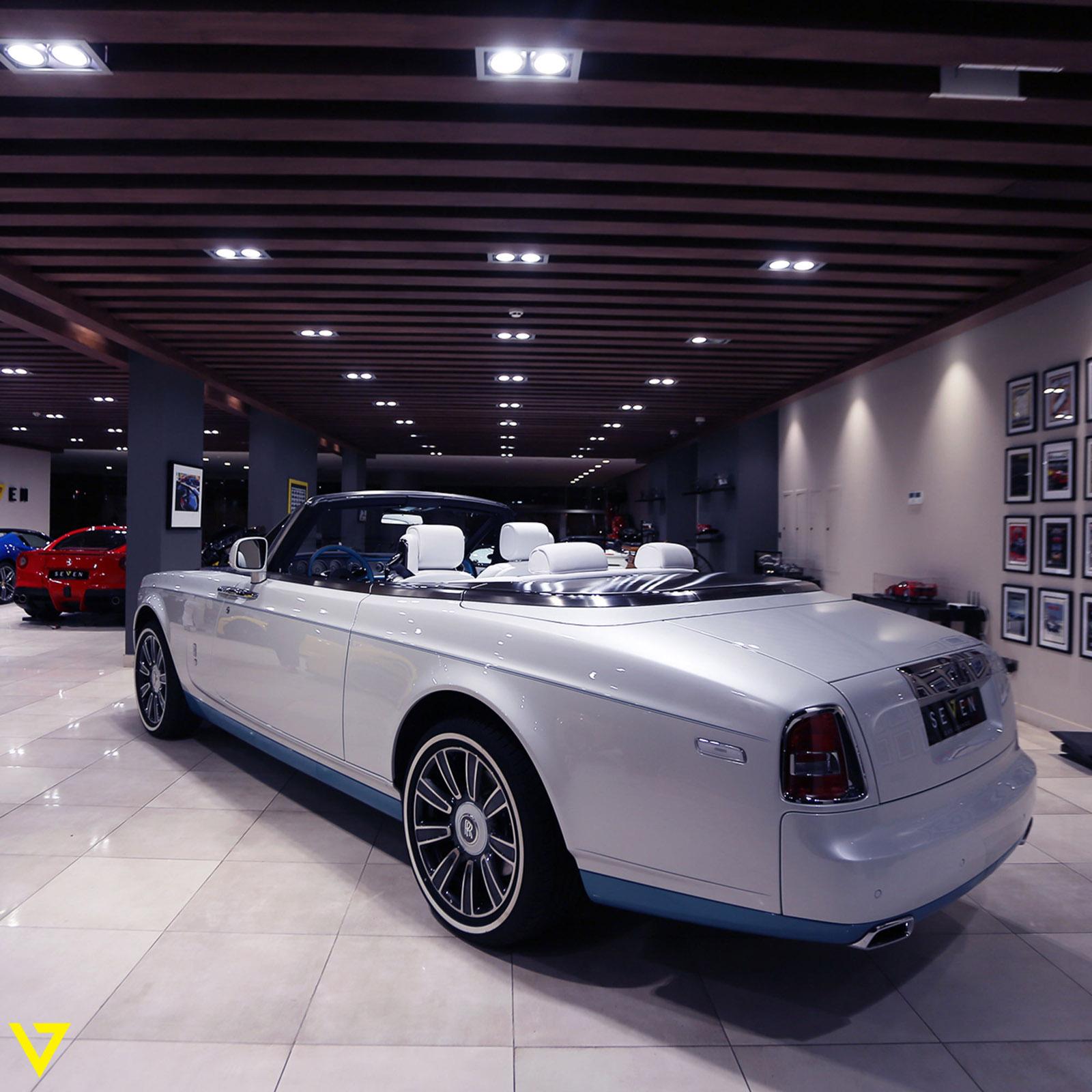 Rolls-Royce_Phantom_Drophead_Coupe_Last-of-Last_edition_08