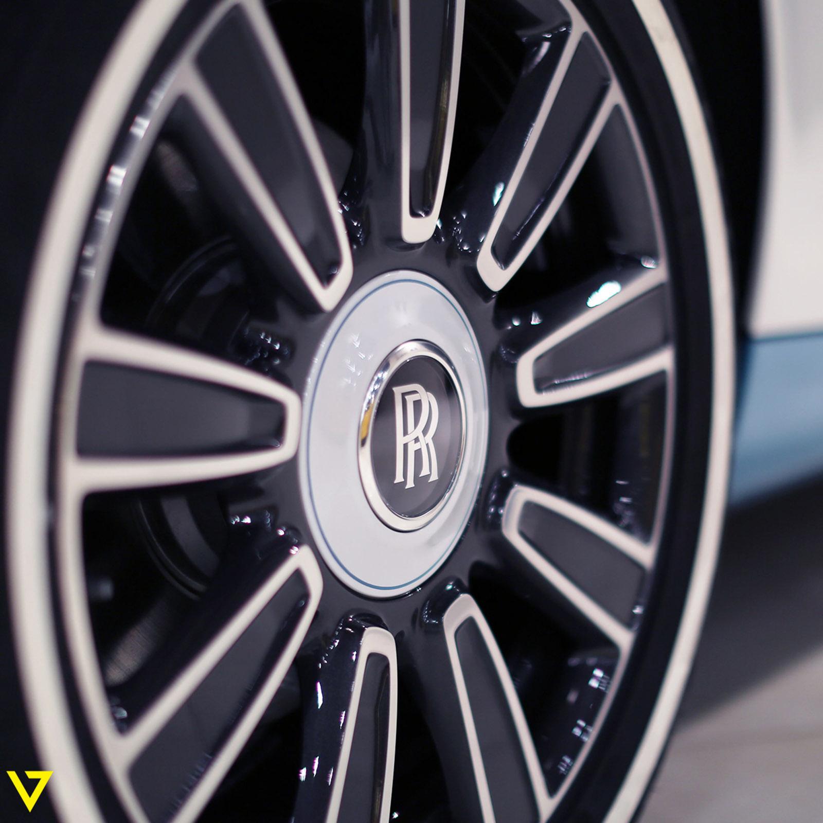 Rolls-Royce_Phantom_Drophead_Coupe_Last-of-Last_edition_09