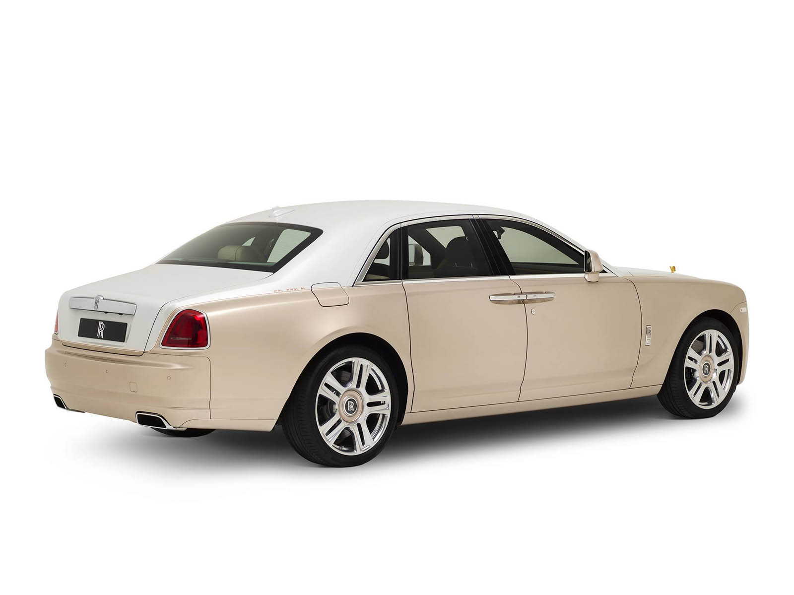 rolls-royce-Ghost-inspired-by-Ancient-Trade-Routes-10