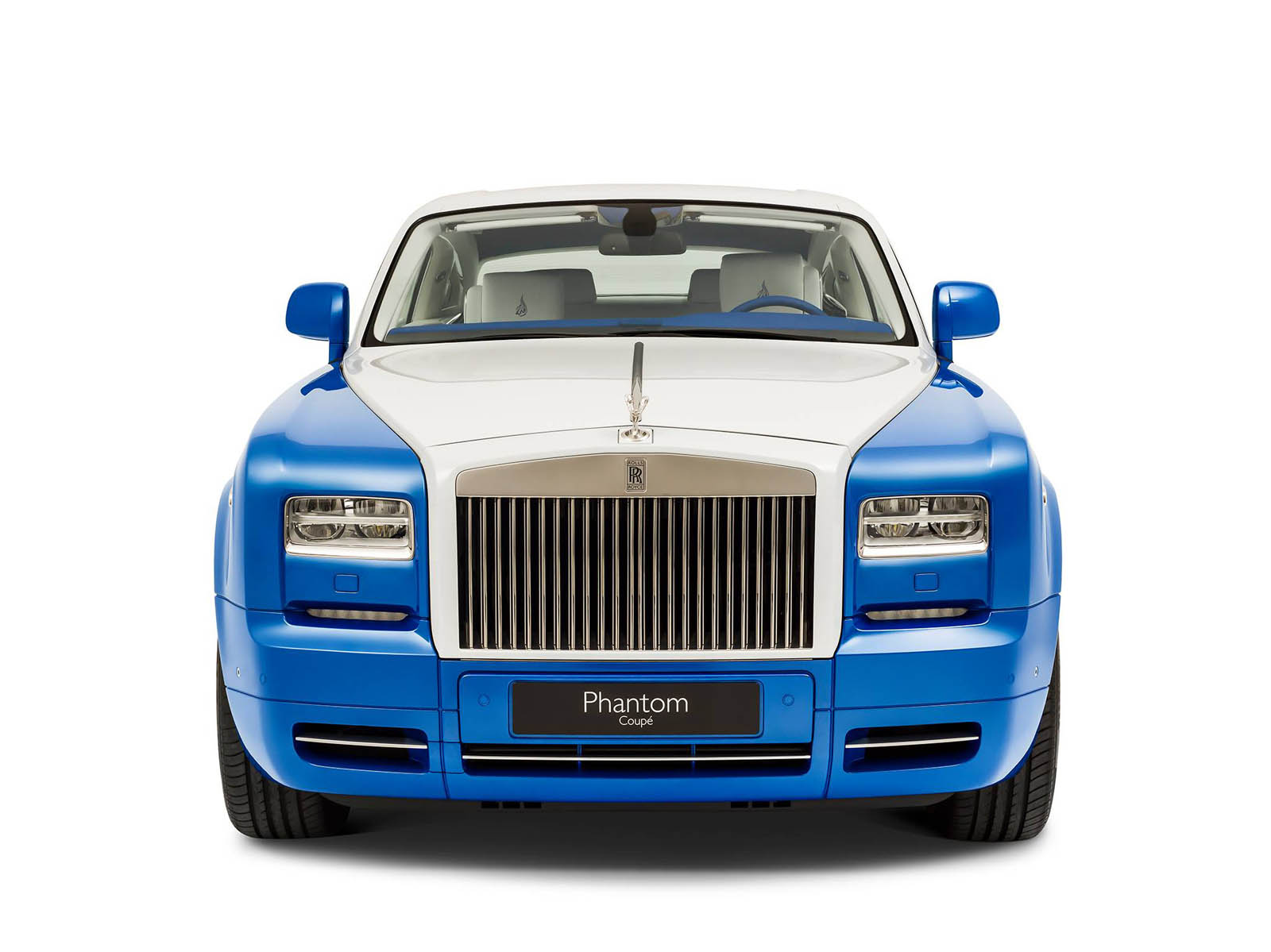 rolls-royce-Phantom-Coupe_-inspired-by-Qasr-Al-Hosn-09