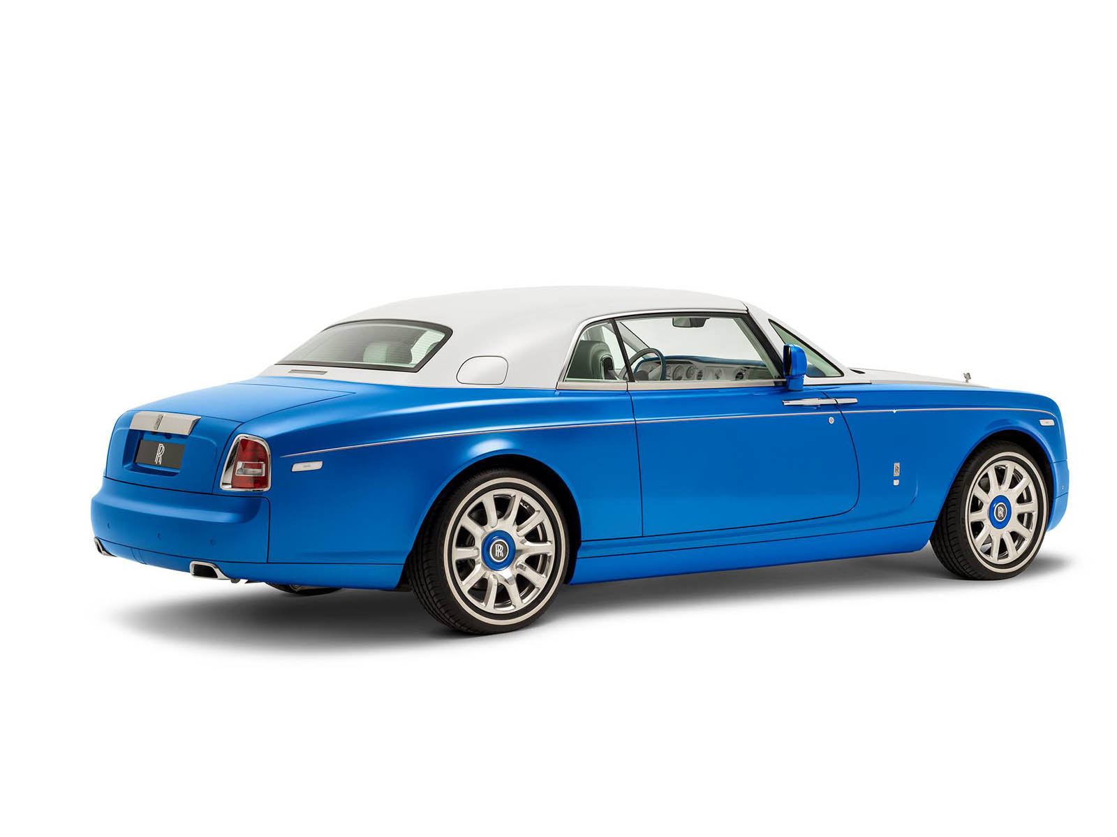 rolls-royce-Phantom-Coupe_-inspired-by-Qasr-Al-Hosn-12