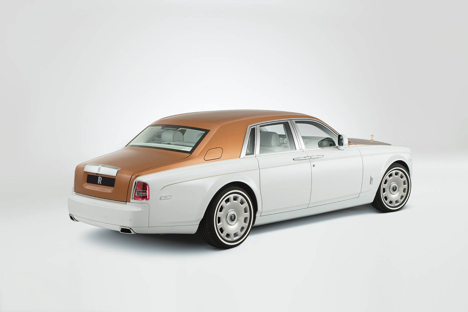 rolls-royce-Phantom-inspired-by-Sheikh-Zayed-Grand-Mosque-13