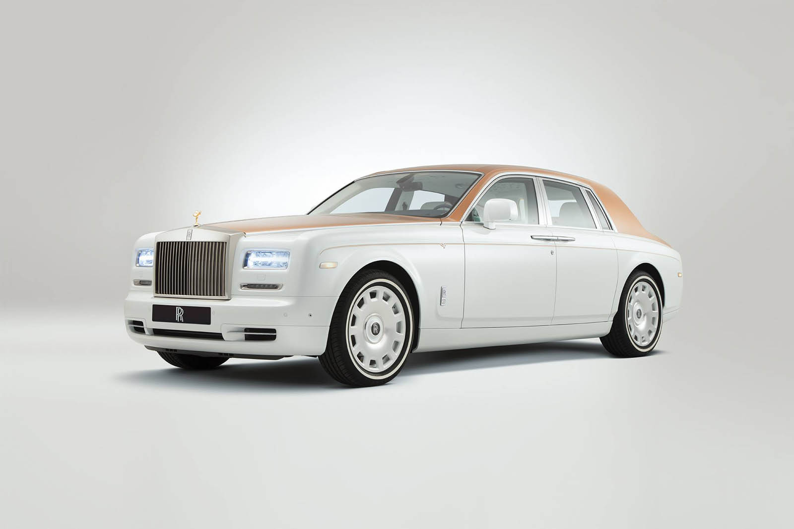 rolls-royce-Phantom-inspired-by-Sheikh-Zayed-Grand-Mosque-14