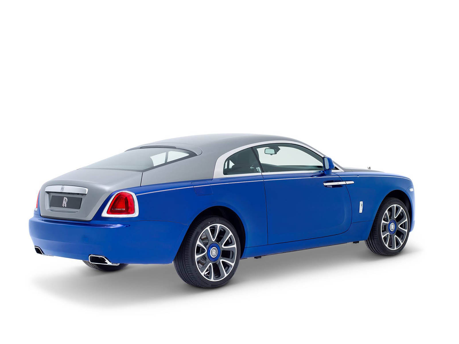 rolls-royce-Wraith-inspired-by-Sheikh-Zayed-Bridge-13